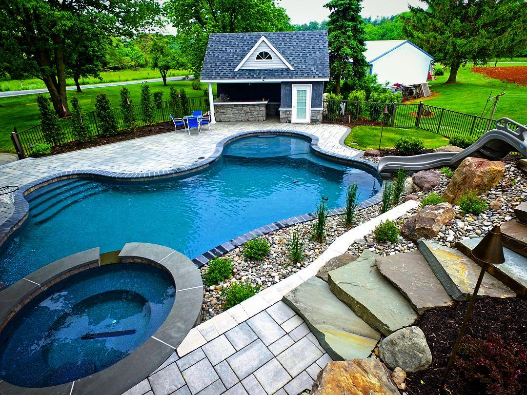 Pool and Hot Tub with landscaping